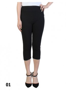 Plus Size Stretch Capri + /Black