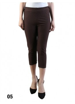 Plus Size Stretch Capri + /Dark Brown
