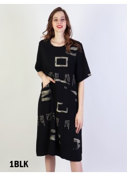 Magazine Print Shift Dress W/ Pockets- Black
